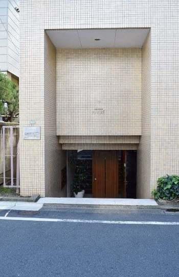 東野アンクレーのエントランス