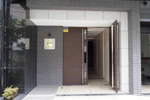 コンシェリア大塚駅前のエントランス