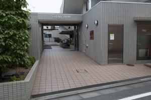 セレナハイム石神井公園のエントランス