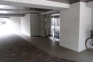 高田馬場デュープレックス2のエントランス