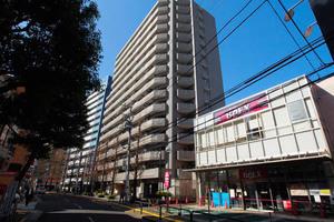 レックスハイツ綾瀬ステーションタワーの外観