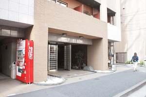 スカイコート神田壱番館のエントランス