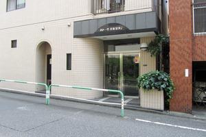 ストーク北新宿第2のエントランス