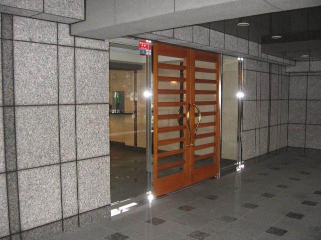 ディアナコート三田のエントランス