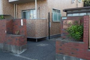 井荻ローヤルコーポのエントランス