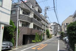 トーシンフェニックス高田馬場弐番館の外観
