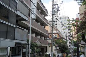 ガラステージ西新宿の外観