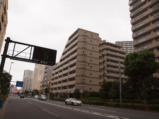 クレストフォルム南砂仙台堀川公園の外観
