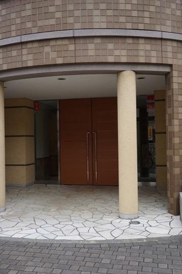 京急シティ横浜矢向のエントランス