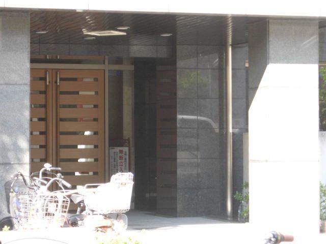 モアクレスト荒川公園(ソレーユ館・シエール館)のエントランス