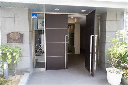 メインステージ西荻窪駅前ソレイユのエントランス