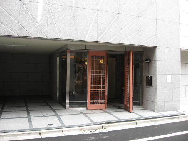 グラーサ東京イーストのエントランス