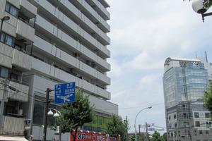 ライオンズマンション北新宿の外観