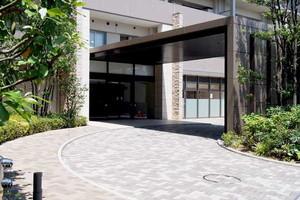 東京フォレストミッドガーデンシティザテラスのエントランス