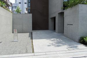 ズーム北新宿のエントランス