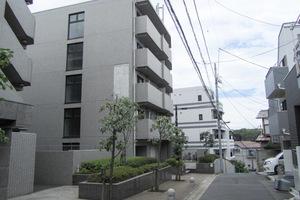 ルーブル新宿西落合7番館の外観