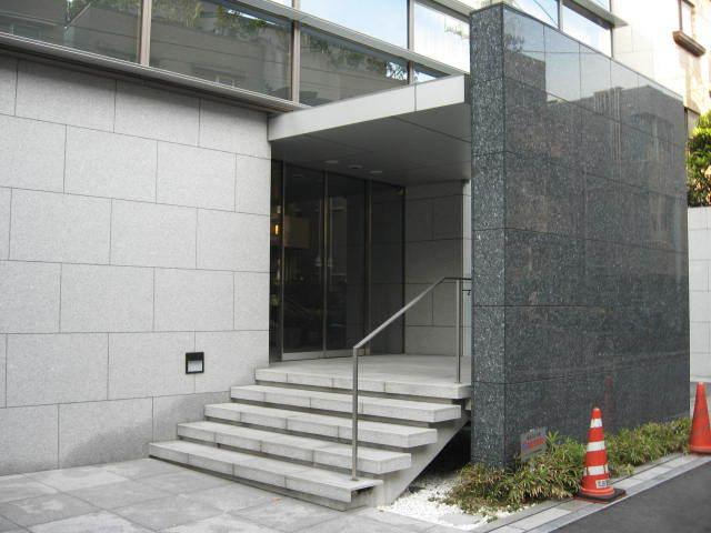 シティハウス三田綱町のエントランス
