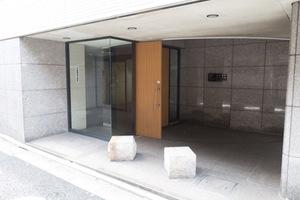 スカイコート新高円寺のエントランス
