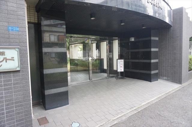 日吉ダイヤモンドマンション1号館のエントランス