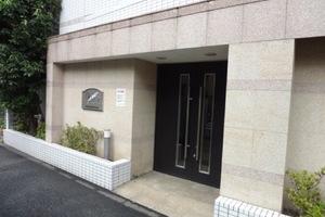 プレールドゥーク東京イーストのエントランス