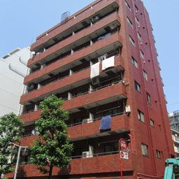 カテリーナ新宿御苑駅前