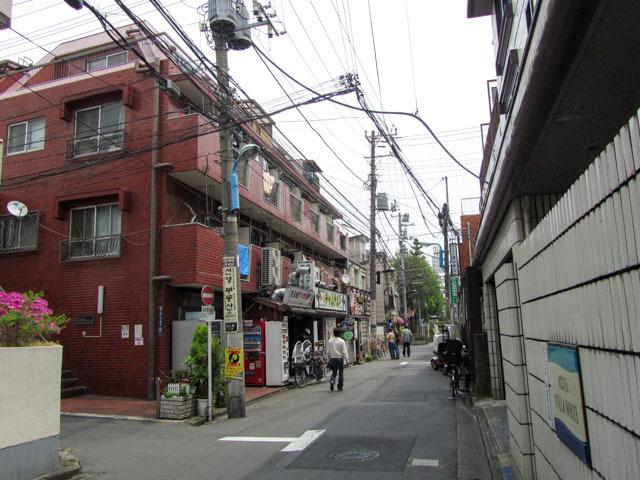 サンライズ新宿の外観