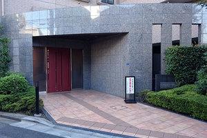 コスモ千鳥町ロイヤルフォルムのエントランス
