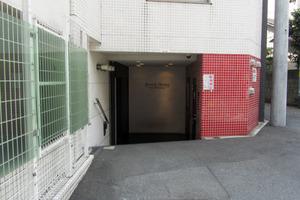 ビバリーホームズ北新宿のエントランス