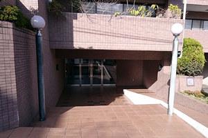 サンヴェール大森ヒルズ2番館のエントランス