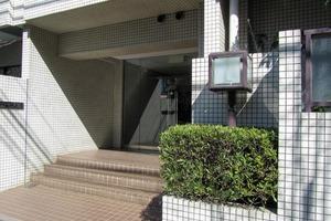 藤和駒場コープ2のエントランス
