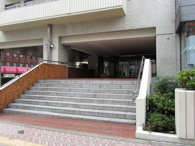 渋谷ホームズのエントランス