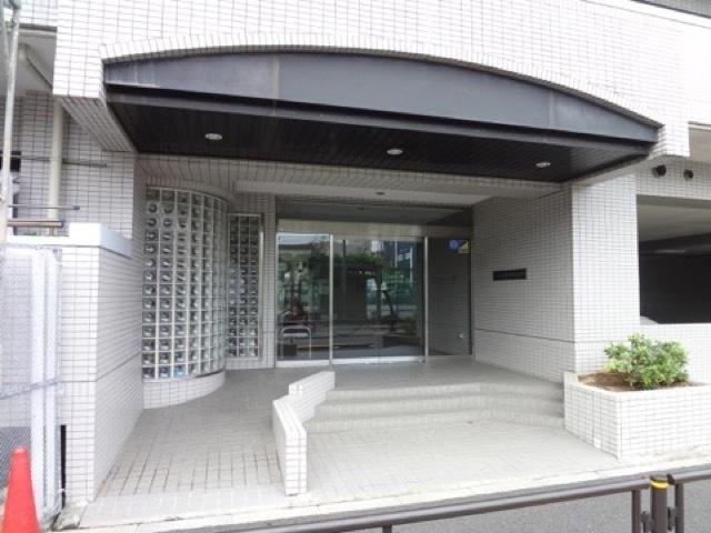 コスモお花茶屋1番館のエントランス