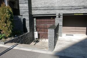 フェニックス渋谷本町のエントランス