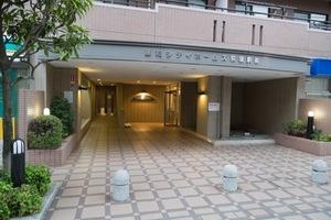 藤和シティホームズ荻窪駅前のエントランス