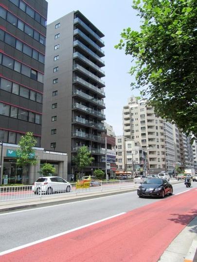 ズーム東新宿の外観