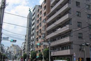 スヴェニール早稲田夏目坂の外観