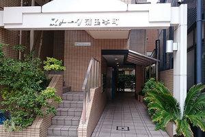 ストーク蒲田本町のエントランス