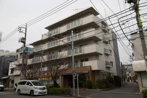 日商岩井桜新町マンションの外観