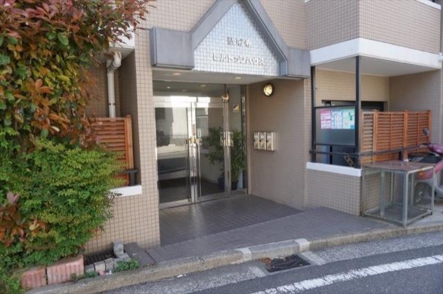 弘明寺ヒルトップハウスのエントランス