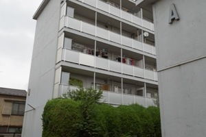 高円寺日東マンションB棟の外観