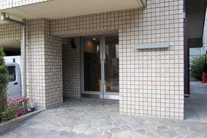フェニックス西新宿弐番館のエントランス