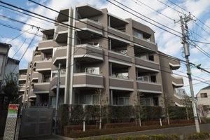 Dグランセ駒沢大学の外観