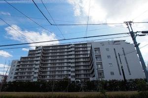 東綾瀬公園ハイライズアーバンスクエアの外観
