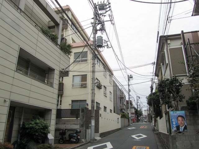 中野本町ローヤルコーポの外観