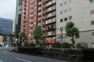 シルバーマンション新宿の外観