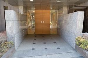 ダイアパレス駒沢公園のエントランス
