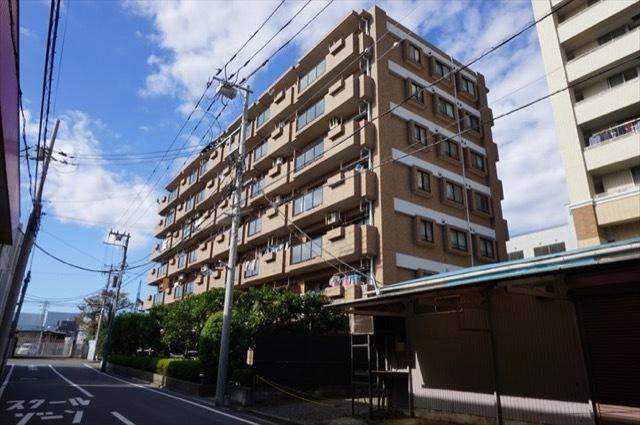 グランイーグル横浜鶴見の外観