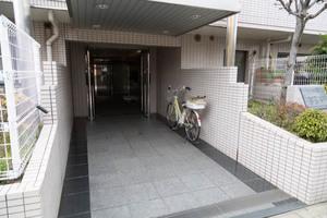 ベルハイム桜新町のエントランス
