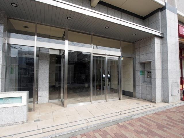 日神デュオステージ板橋駅前のエントランス