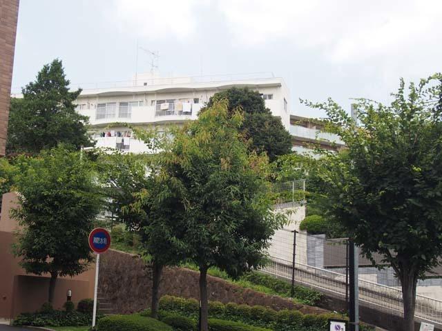 西ヶ原ワコー第5マンションの外観